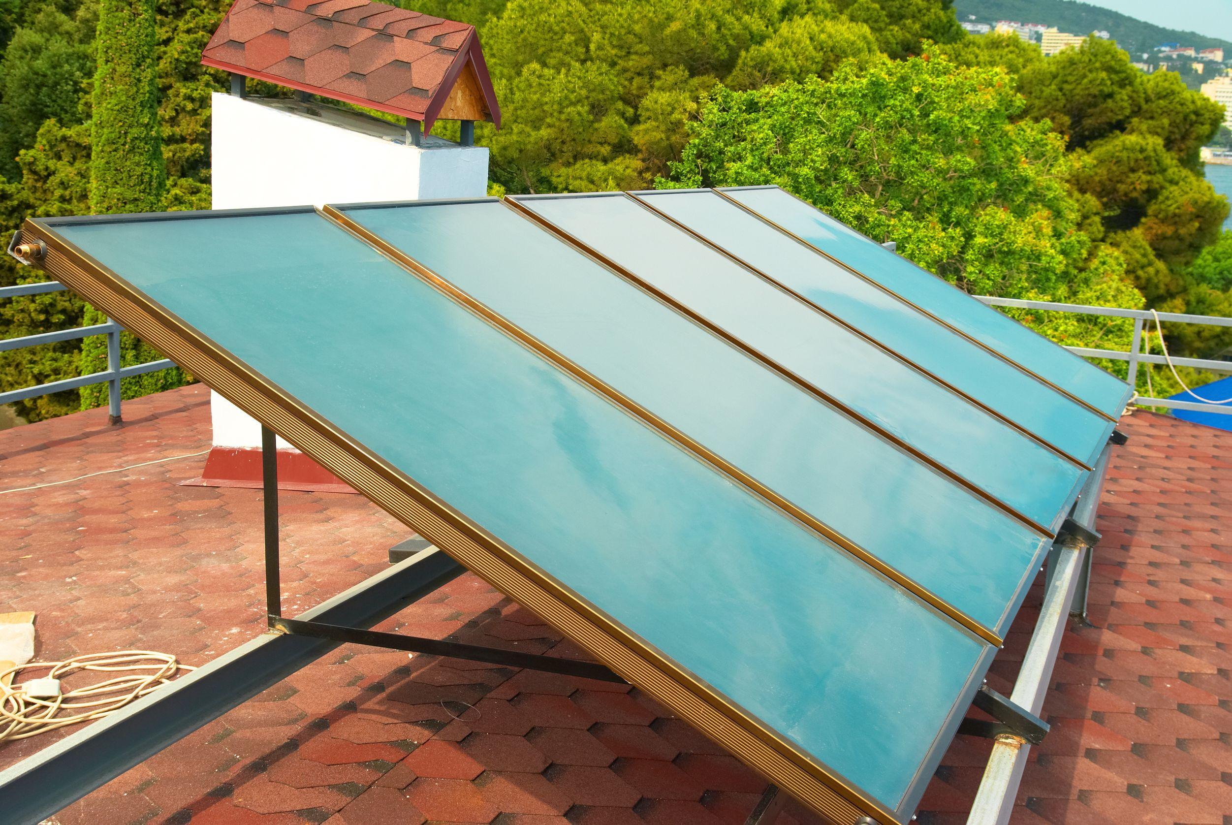la mejor opcin es sin duda la calefaccin alimentada con energa solar en una vivienda unifamiliar se puede instalar un sistema autnomo