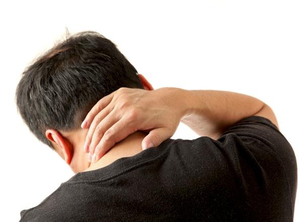 Duele la espalda donde las espátulas cuando estoy