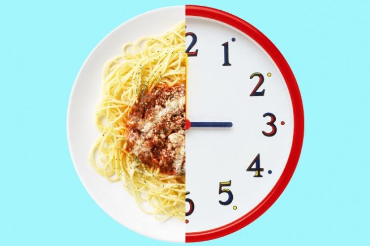 que no comer tarde en la noche