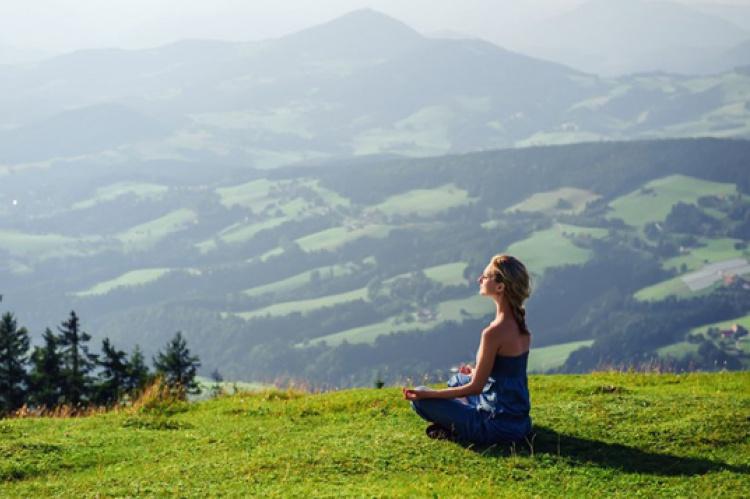 Meditación durante la mis se duermen piernas